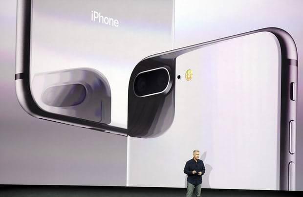 1505289326 1 - گالری عکس: آیفون 8 جدیدترین پرچمدار اپل